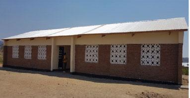 Renovatie school in samenwerking met World Servants